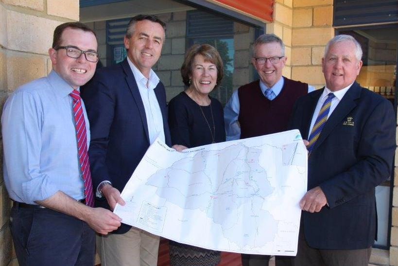 Photograph: (l-r) Member for Northern Tablelands Adam Marshal MP, Federal Minister for Infrastructure and Transport the Hon. Darren Chester, Chair of ARRG Cr Sue Price,</p>...	</div>  	</li> 	<li class=